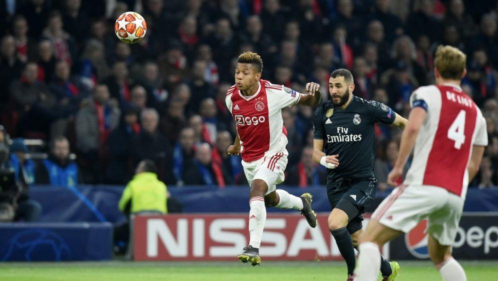 Karim Benzema bringt Real Madrid in Führung - Bildquelle: AFPSIDJOHN THYS