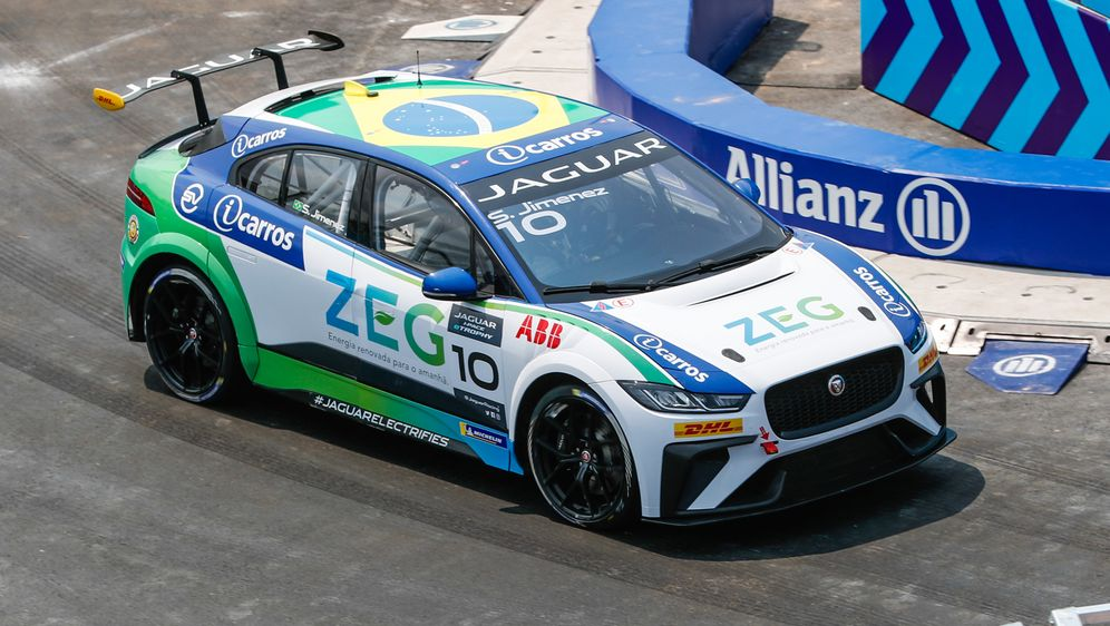 - Bildquelle: Motorsport ImagesTel: +44(0)20 8267 3000email: info@motorsportimages.com