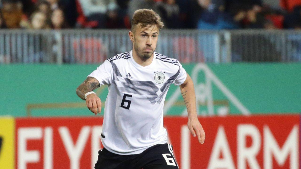 Mittelfeld: Niklas Dorsch  - Bildquelle: imago images / Pressefoto Baumann