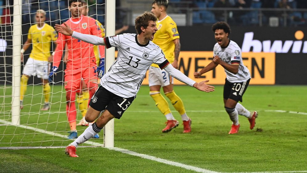 WM Qualifikation: Mit 2:1 gewinnt die Deutsche Nationalmannschaft durch ein ... - Bildquelle: Imago