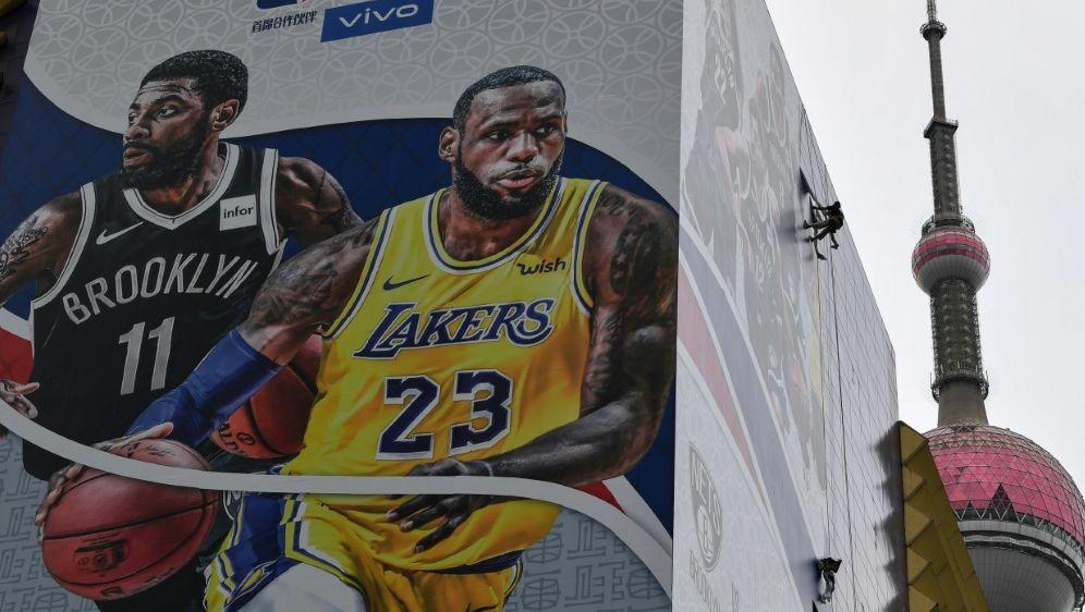 NBA-Werbebanner in China wurden entfernt - Bildquelle: AFPSIDHECTOR RETAMAL