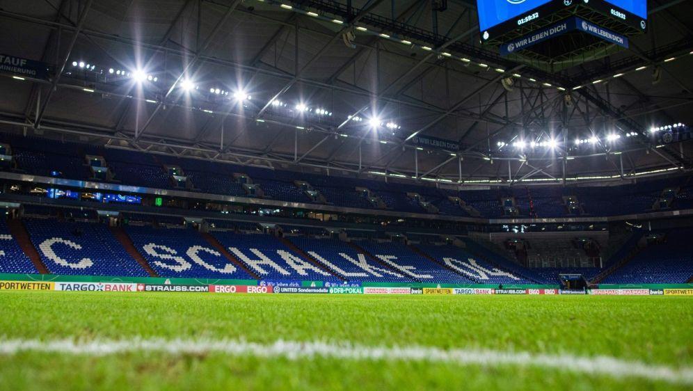 Leere oder teilweise gefüllte Ränge auf Schalke? - Bildquelle: FIROFIROSID