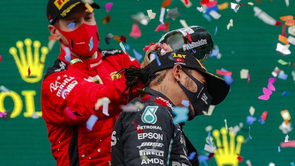 Warum Sebastian Vettel emotional noch an Michael Schumacher hängt, Lewis Ham... - Bildquelle: Motorsport Images