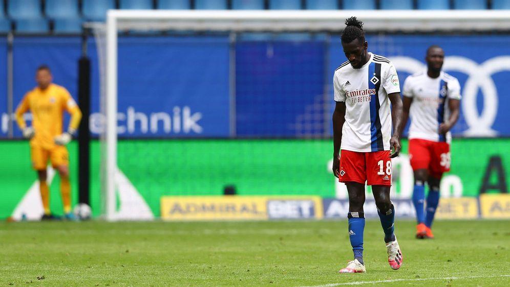 Der Hamburger SV hat im zweiten Jahr in Folge die Rückkehr in die Bundesliga... - Bildquelle: Ibrahim Ot/action press/Pool via xim.gs