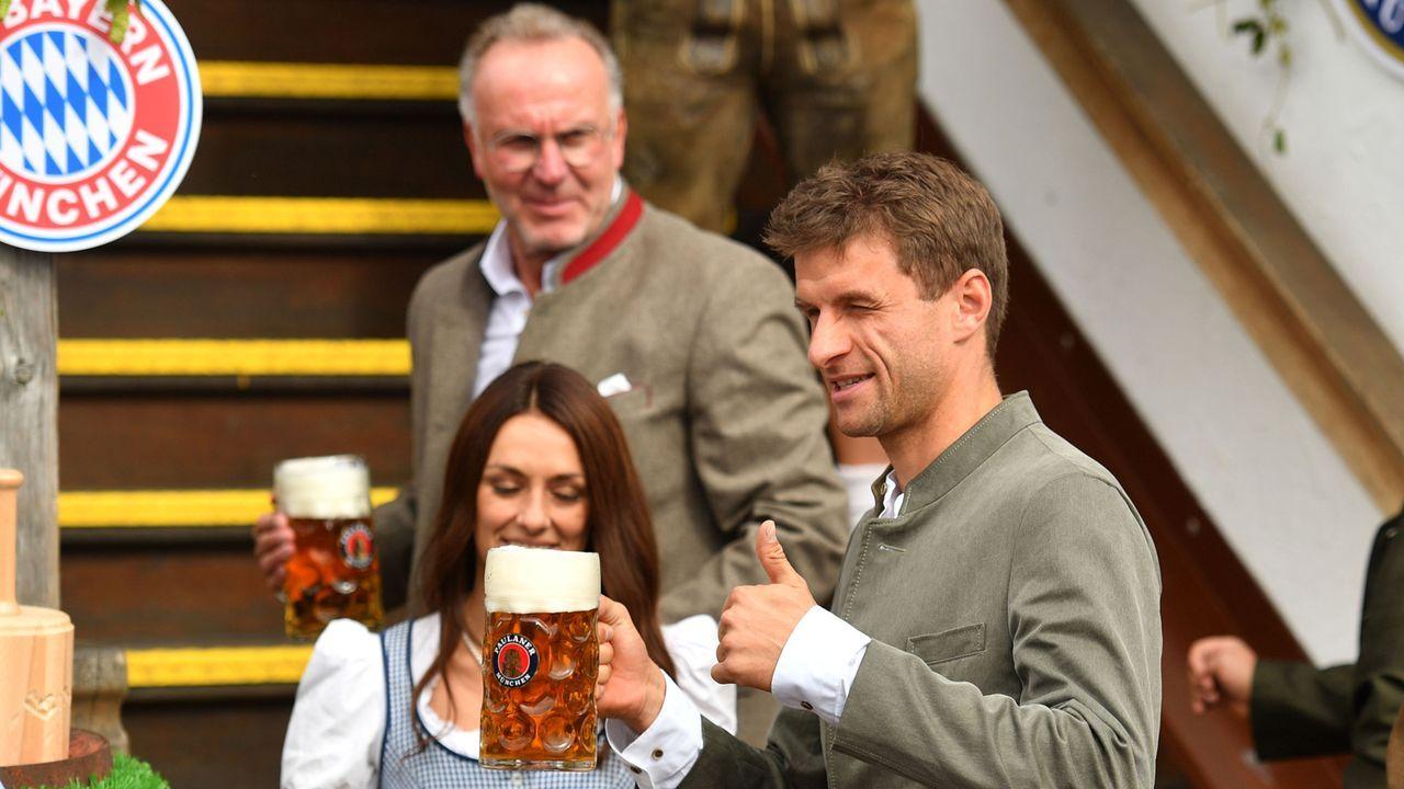 Die Bayern-Stars auf dem Oktoberfest 2019 - Bildquelle: imago images/Sven Simon