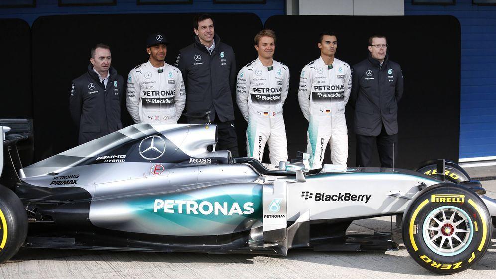 Mercedes wird bald den neuen Silberpfeil präsentieren - Bildquelle: imago/Laci Perenyi