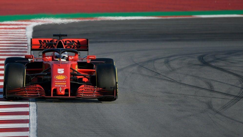 Vettel sorgte mit einem Dreher für eine Unterbrechung - Bildquelle: AFPSIDLLUIS GENE