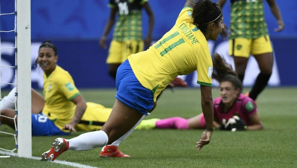 Cristiane erzielte alle drei Treffer für Brasilien - Bildquelle: AFPSIDJEFF PACHOUD