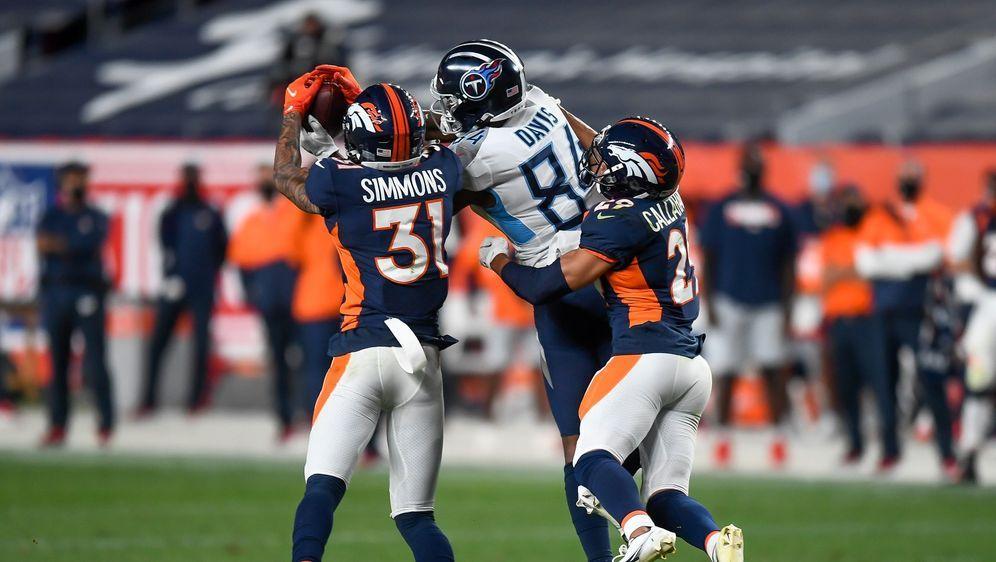 Star-Safety Justin Simmons (l.) und Cornerback Bryce Callahan (r.) nehmen Wi... - Bildquelle: getty