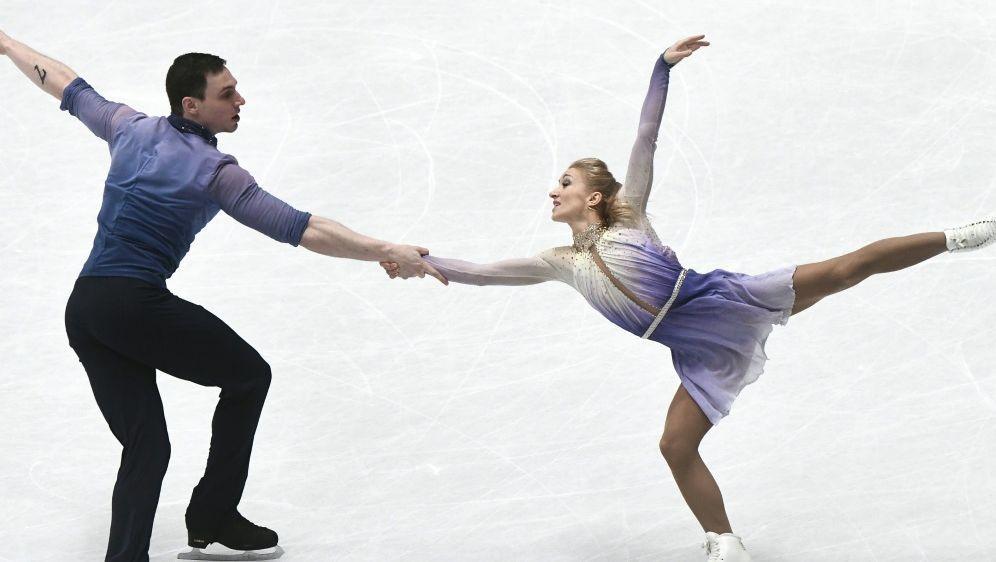 AljonaSavchenko möchte zurück aufs Eis - Bildquelle: AFPSIDMARCO BERTORELLO