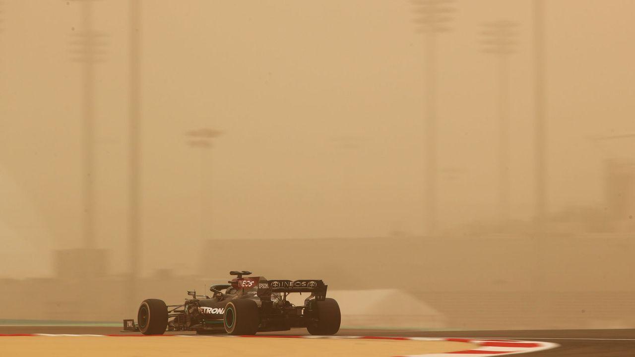 Bahrain-Tests: Hamilton legt los - Bildquelle: Getty Images