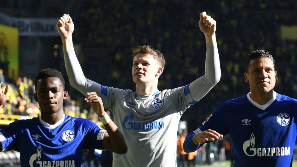 Torwart Alexander Nübel (Mitte) soll bei Schalke bleiben - Bildquelle: AFPSIDINA FASSBENDER