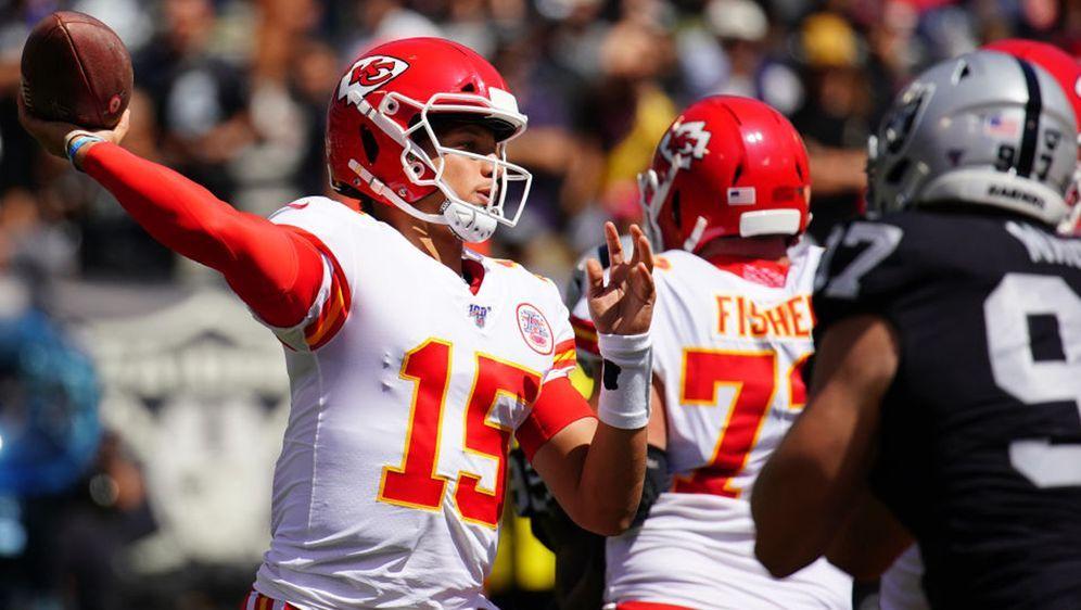 Patrick Mahomes und die Kansas City Chiefs feierten gegen die Oakland Raider...