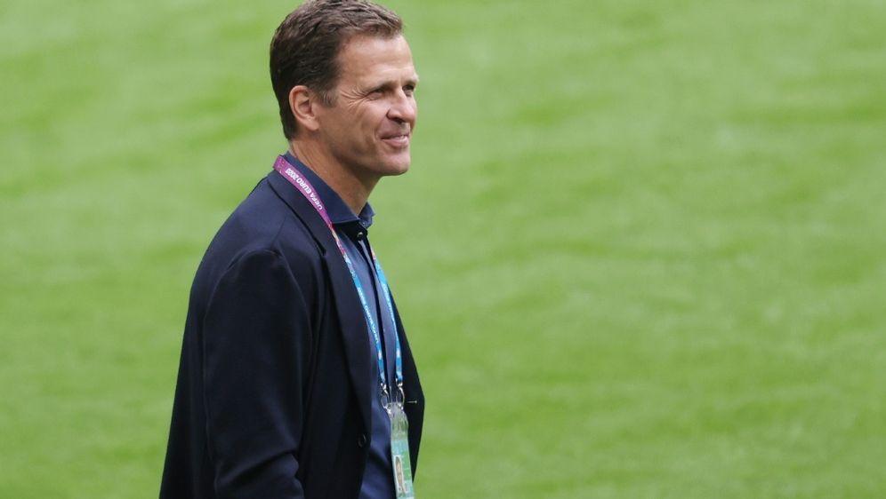 Oliver Bierhoff baut auf den neuen Bundestrainer - Bildquelle: FIROFIROSID