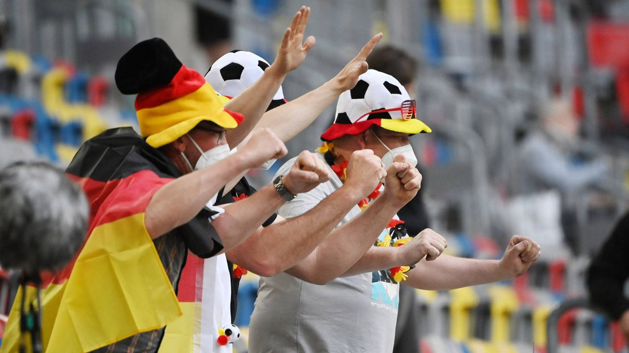 Achtelfinale gegen Holland - Bildquelle: 2021 imago