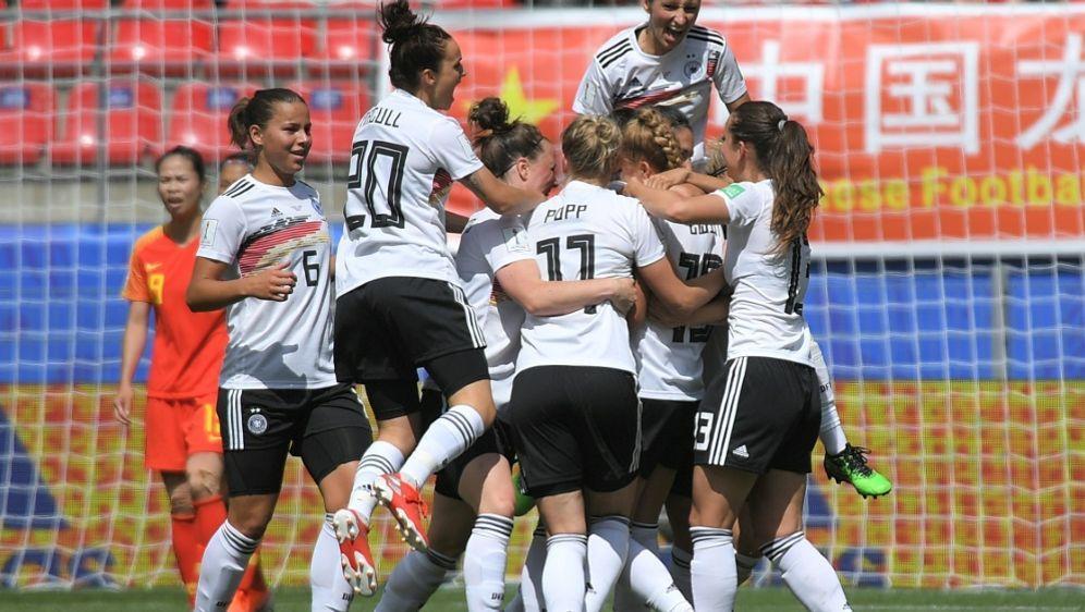Die DFB-Frauen sind siegreich in die WM gestartet - Bildquelle: AFPSIDLOIC VENANCE