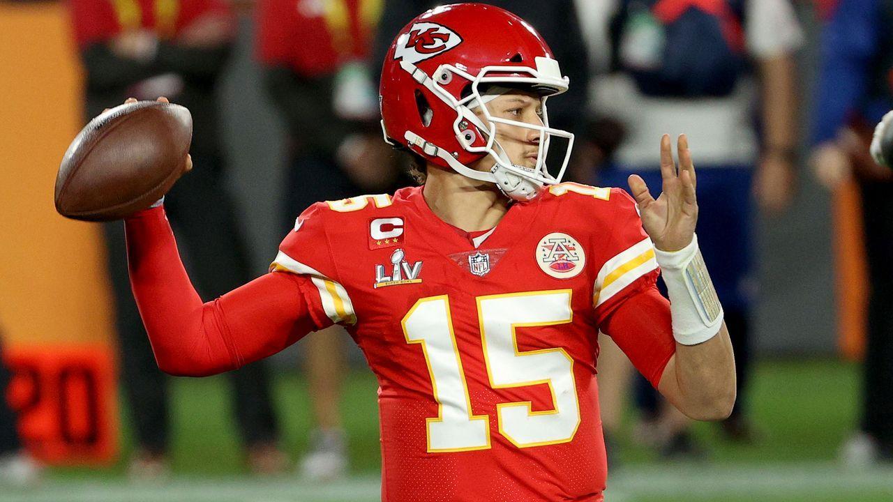 2. Patrick Mahomes (Quarterback, Kansas City Chiefs) - Bildquelle: 2021 Getty Images