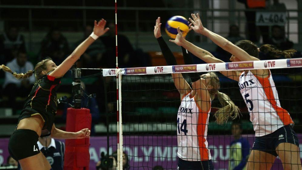 Deutschlands Volleyballerinnen testen vor EM gegen Polen - Bildquelle: AFPSIDADEM ALTAN