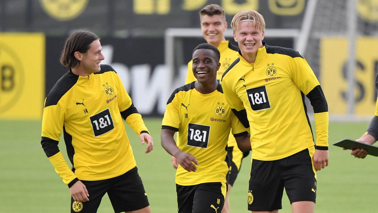 Jung, jünger, Bundesliga - Das Durchschnittsalter der 18 Mannschaften - Bildquelle: imago images/Team 2