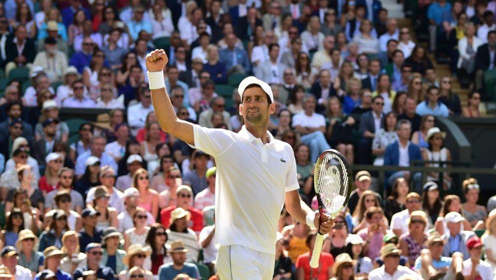 Djokovic feiert seinen Viersatz-Sieg im Viertelfinale - Bildquelle: AFPAFPGlyn KIRK