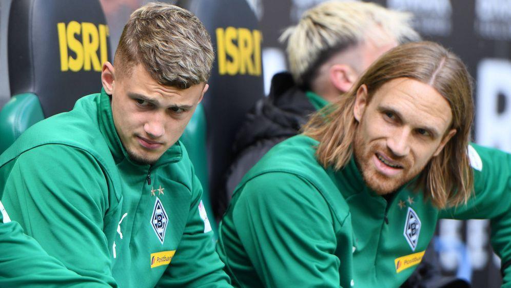 Die Zukunft von Michael Cuisance (links) und Michael Lang im Borussia-Park i... - Bildquelle: imago