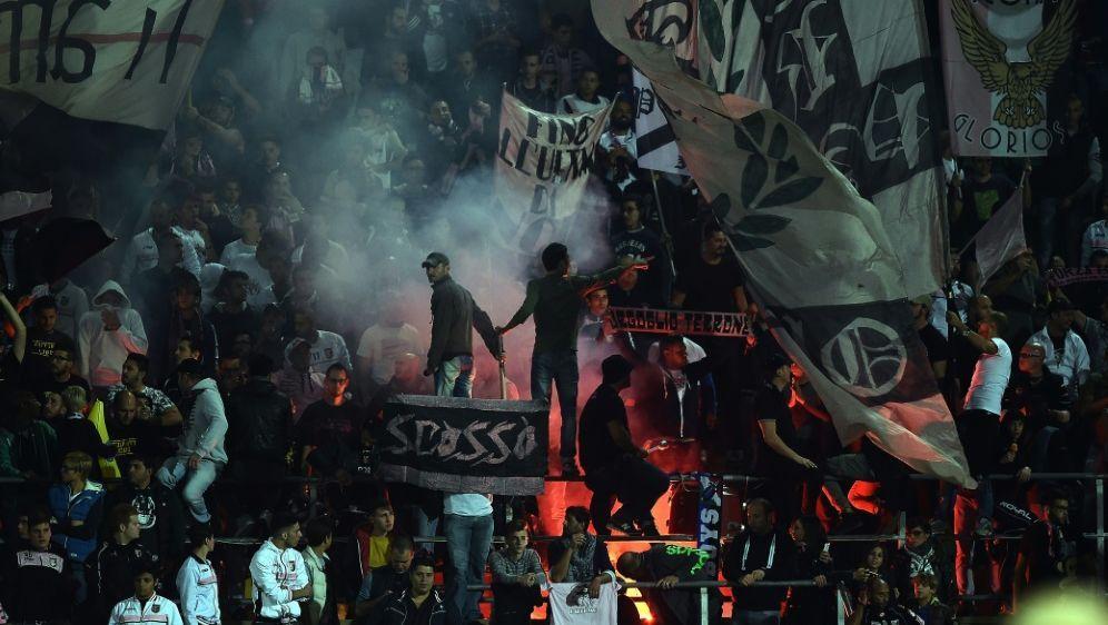 US Palermo wird in die Serie D strafversetzt - Bildquelle: AFPSIDFILIPPO MONTEFORTE