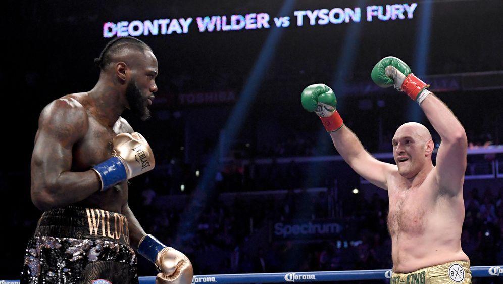 Deontay Wilder und Tyson Fury sollen am 22. Februar erneut kämpfen - Bildquelle: Getty Images