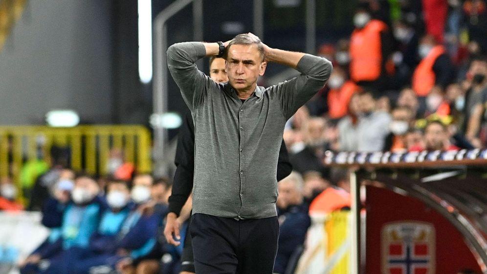 Türkei-Trainer Kuntz: Freudentränen nach dem Abpfiff - Bildquelle: AFP/SID/GINTS IVUSKANS