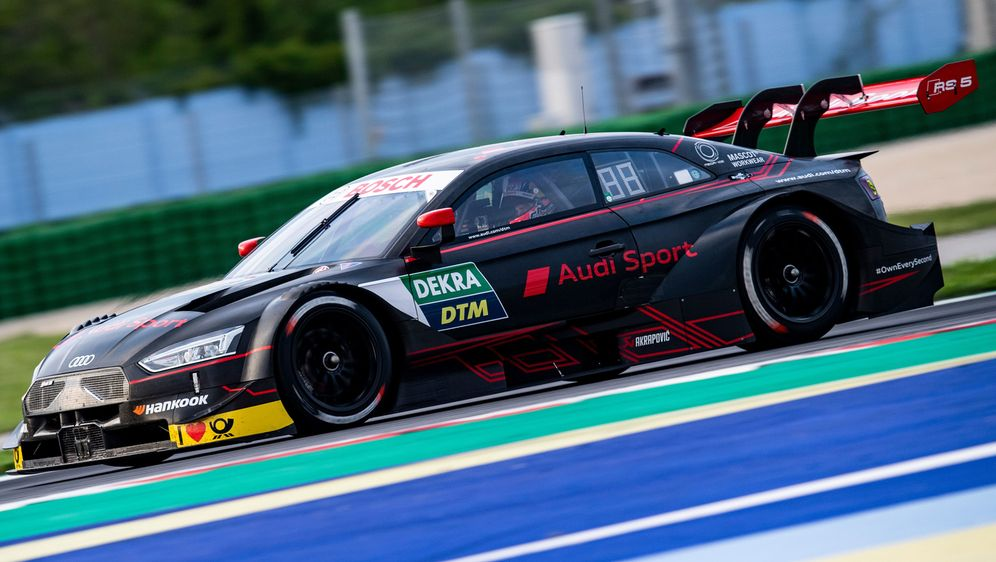 Andrea Divizioso in einer anderen Welt. - Bildquelle: Audi Communications Motorsport / Malte Christians ### Audi Communications Motorsport / Hoch Zwei ### free of charge for press pu
