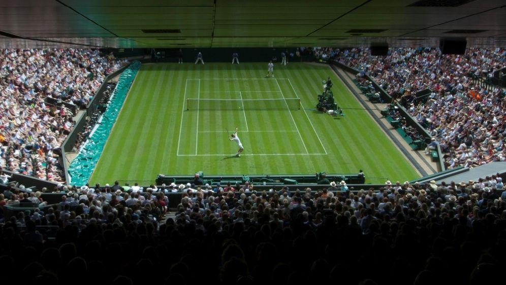 Tennis könne als Individualsport draußen ausgeübt werden - Bildquelle: FIROFIROSID