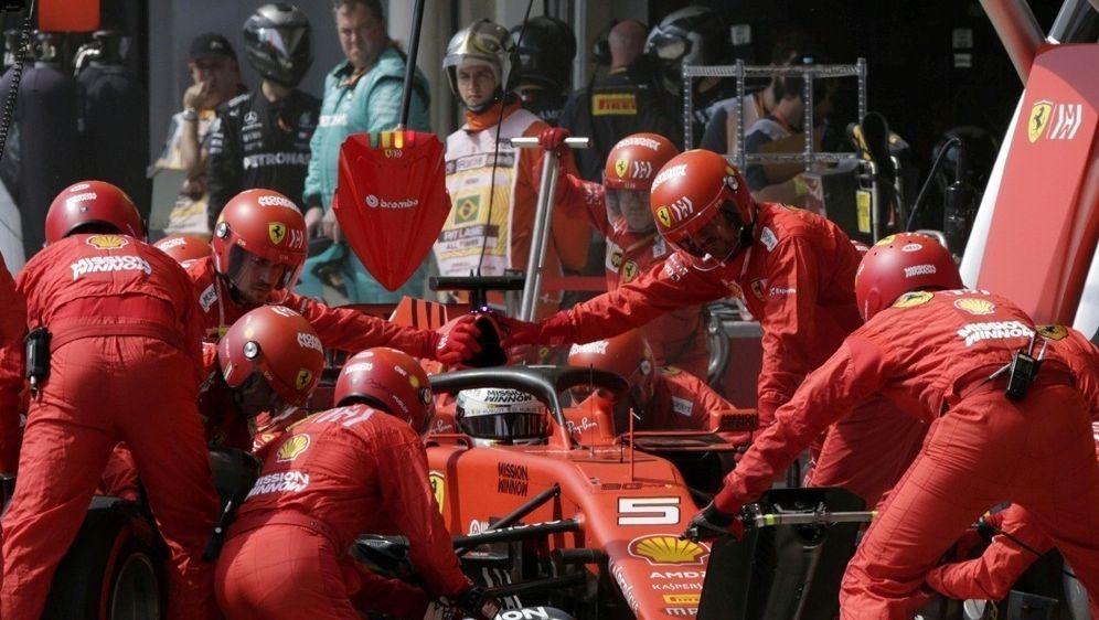 Wegen Ferrari: FIA will Systeme vergleichen - Bildquelle: AFPPOOLSIDAMANDA PEROBELLI