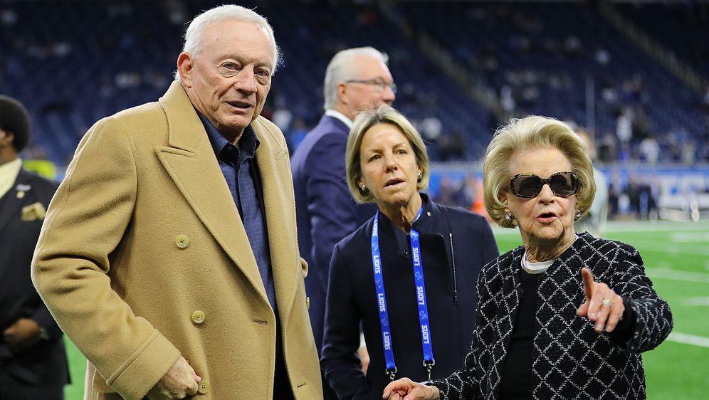 Was kommt da auf sie zu? Die Klub-Besitzer Jerry Jones (Dallas Cowboys) und ... - Bildquelle: Getty Images