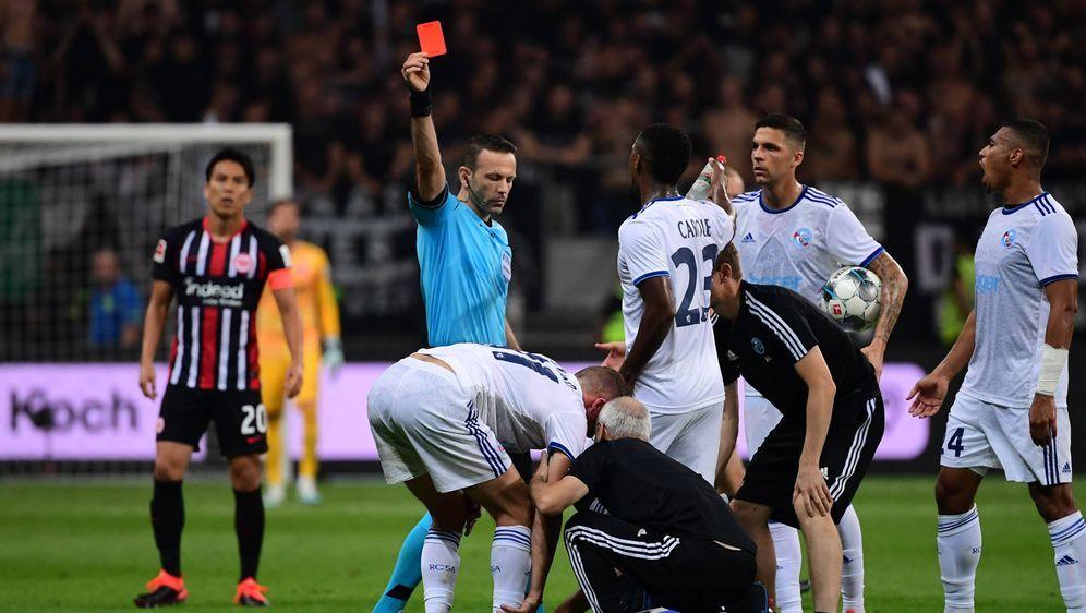 Orel Grinfeld ist FIFA-Schiedsrichter - Bildquelle: AFPSIDGABRIEL BOUYS