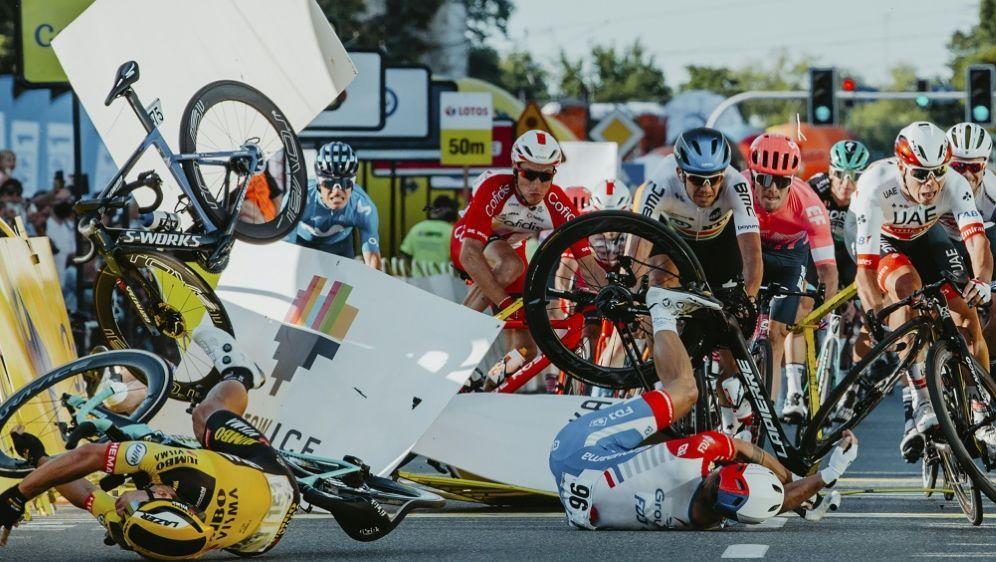 Fabio Jakobsen stürzte bei der Polen-Rundfahrt schwer - Bildquelle: ForumAFPSIDSZYMON GRUCHALSKI