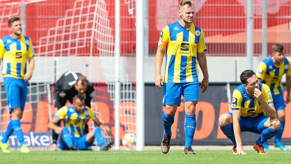 Eintracht Braunschweig musste sich Zwickau mit 2:3 geschlagen geben - Bildquelle: Imago