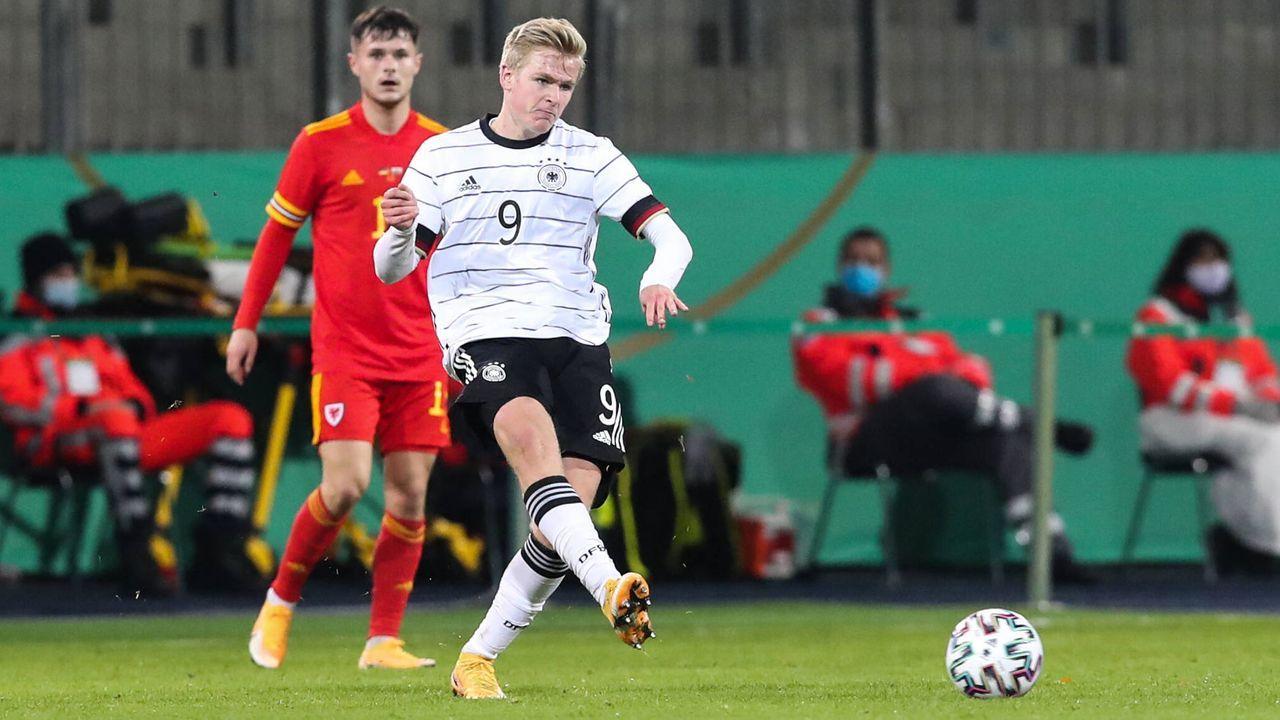 Jonathan Burkardt (1. FSV Mainz 05) - Bildquelle: imago images/Christian Schroedter