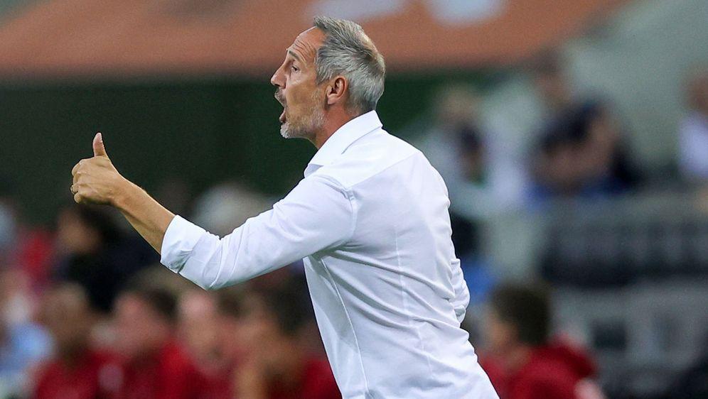 Adi Hütter konnte mit dem Remis gegen die Bayern zufrieden sein und wurde na... - Bildquelle: Imago