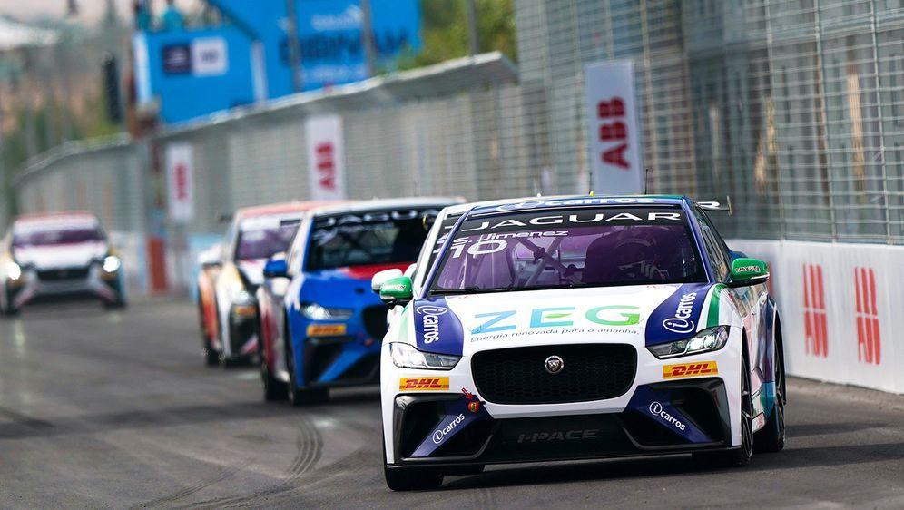 Sergio Jimenez gewinnt das zweite Saison-Rennen der Jaguar I-PACE eTrophy in...
