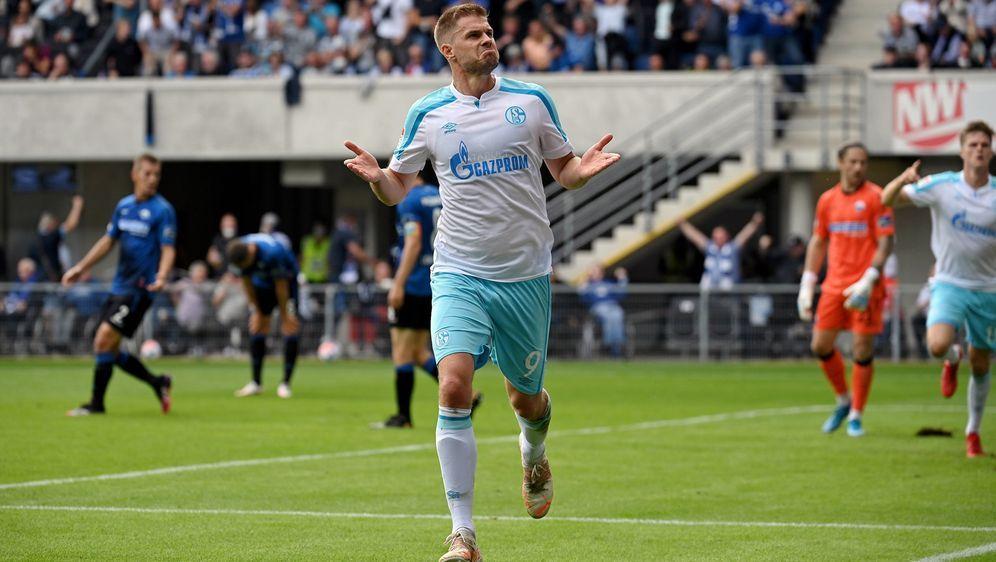 Terodde bringt Schalke drei Punkte ein - Bildquelle: Imago