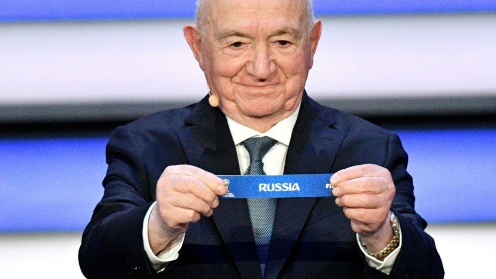 Russland war als Kopf der Gruppe A gesetzt - Bildquelle: AFPAFPMladen ANTONOV