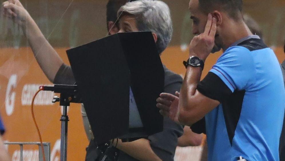 Der Schiedsrichter stand in Sao Paulo im Blickpunkt - Bildquelle: POOLPOOLSIDAMANDA PEROBELLI