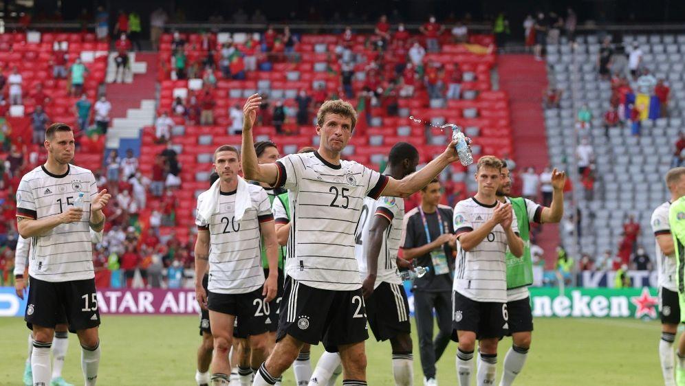 Thomas Müller glaubt an das Weiterkommen - Bildquelle: FIROFIROSID