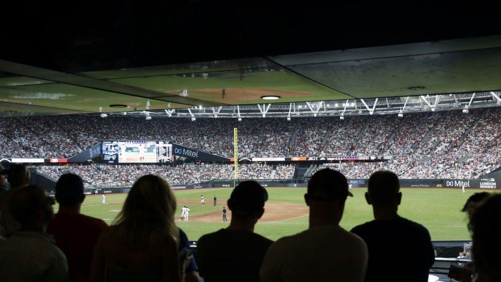In der MLB gibt es bald wieder ein volles Stadion - Bildquelle: AFPSIDTOLGA AKMEN