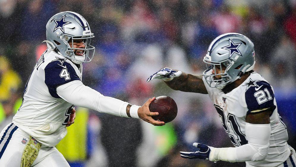 Running Back Ezekiel Elliot (r.) hofft darauf, auch in der kommenden Saison ... - Bildquelle: 2019 Getty Images