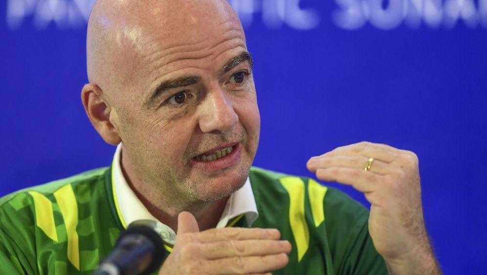 Infantino vergibt die FIFA Klub-WM 2021 wohl nach China - Bildquelle: AFPSIDMUNIR UZ ZAMAN