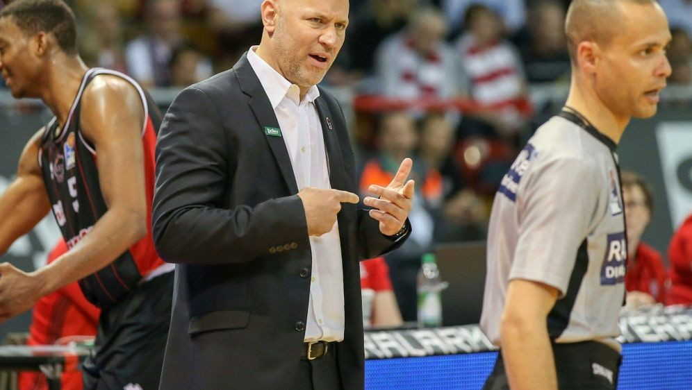 Freut sich auf den Neuzugang: Coach Denis Wucherer - Bildquelle: PIXATHLONPIXATHLONSID