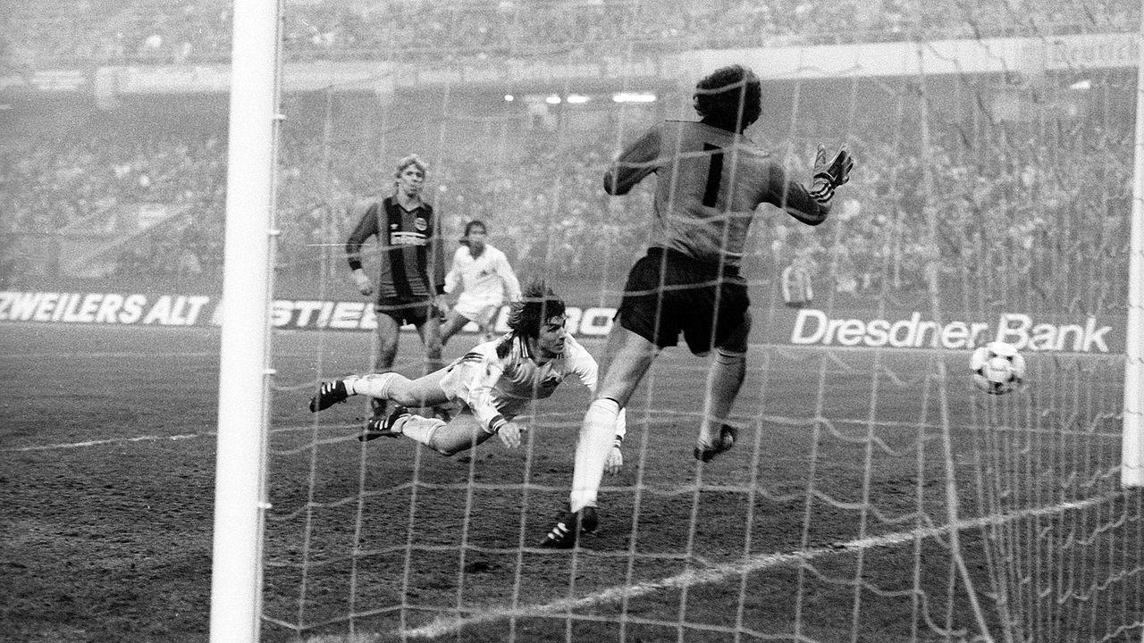 Eintracht Frankfurt - Bildquelle: Imago