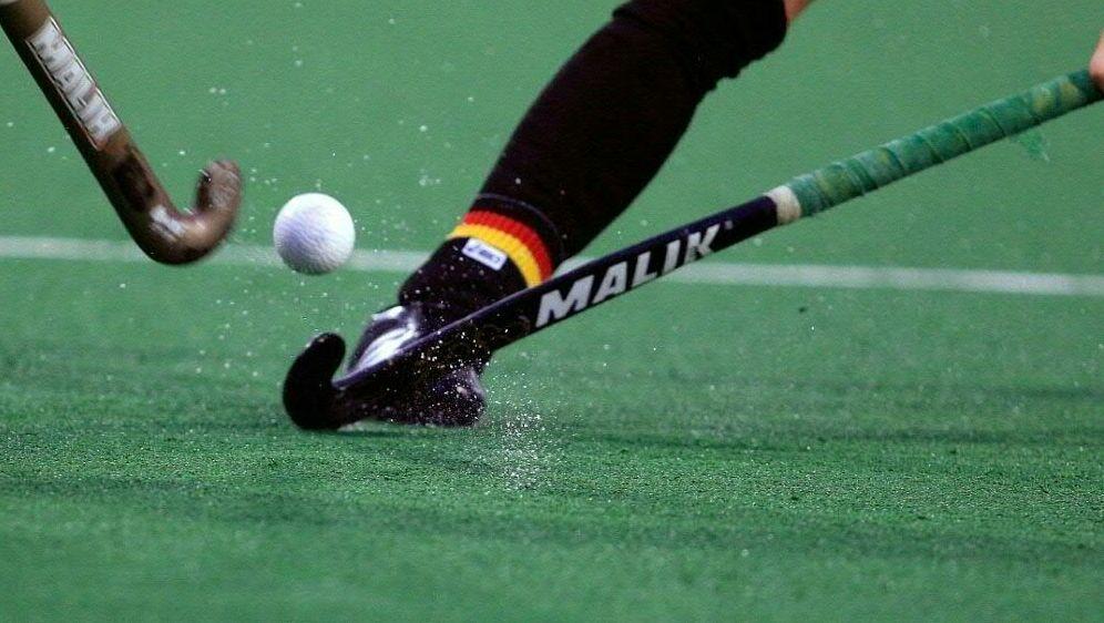 Die deutschen Hockey-Frauen feiern Sieg gegen Indien - Bildquelle: FIROFIROSID