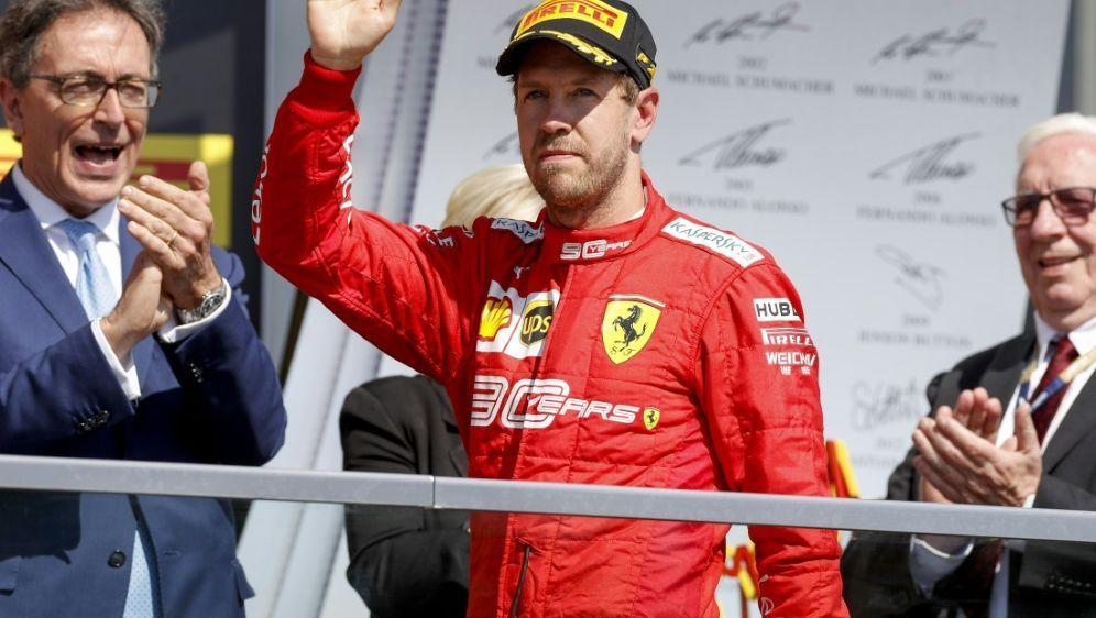 Wegen einer Strafe nur auf Platz zwei in Kanada: Vettel - Bildquelle: PIXATHLONPIXATHLONSID