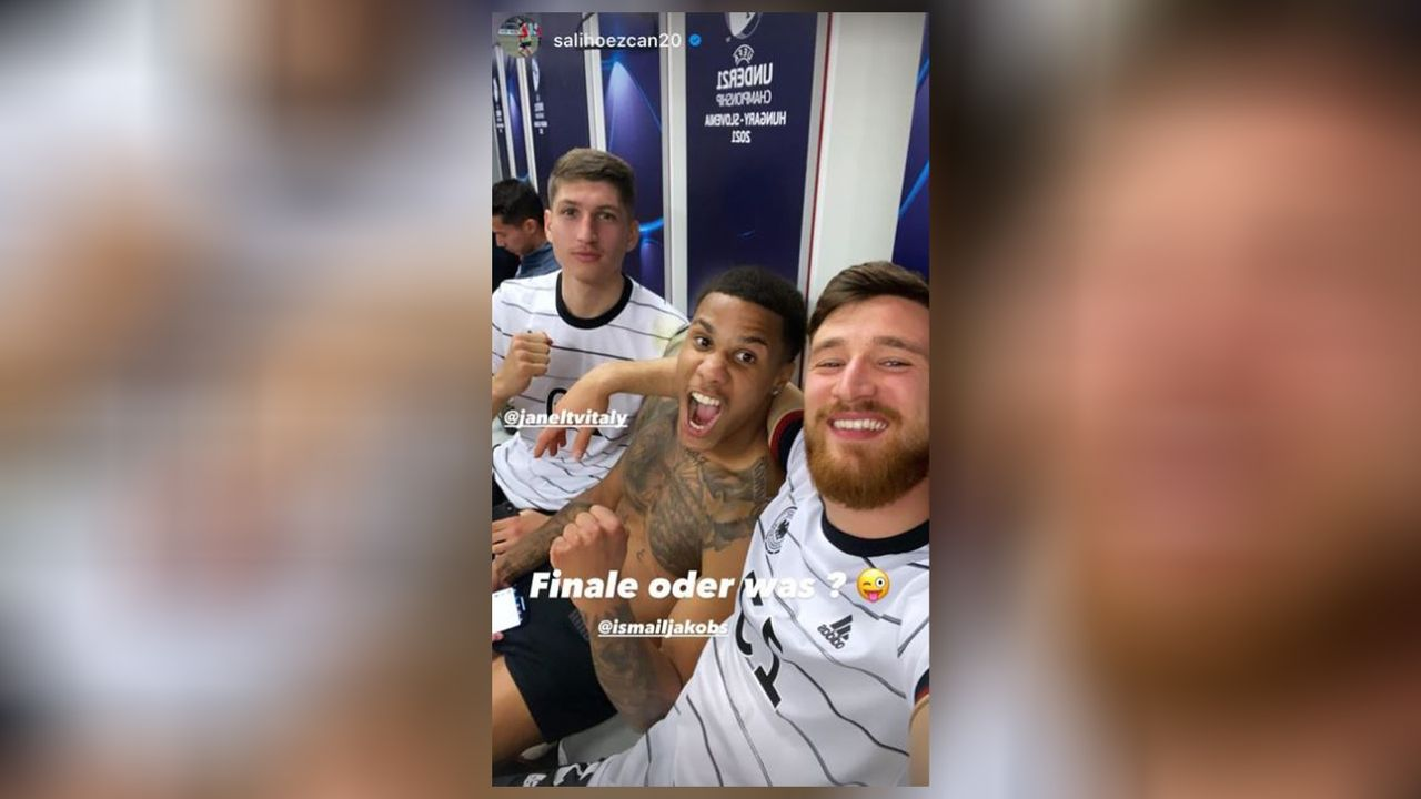 EM-Finale! Die Partybilder der deutschen U21 - Bildquelle: Instagram: Salih Özcan